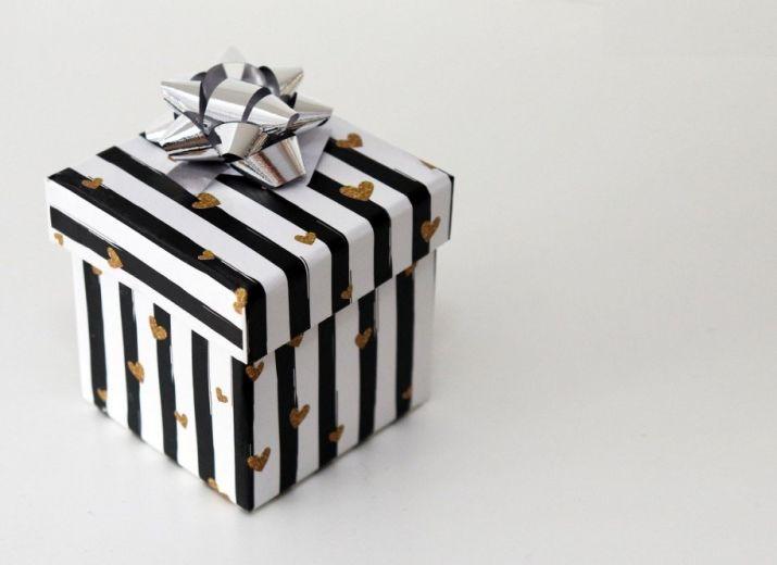 Faire un cadeau à Tom pour son anniversaire (année prochaine)