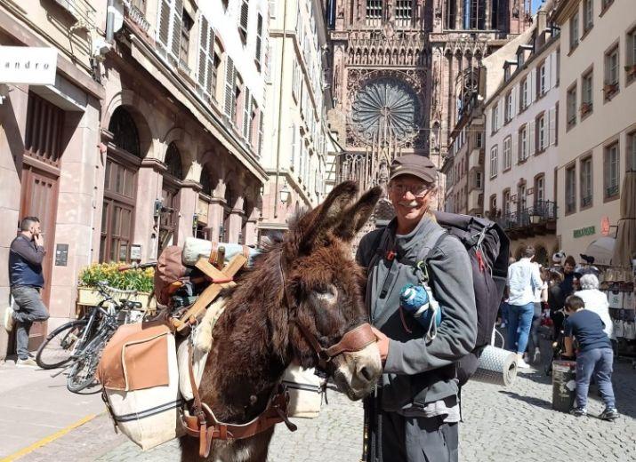 Tour de France avec un âne pour ramasser les déchets