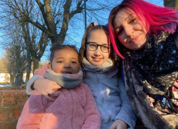 Aider Amandine et ses filles suite à l'incendie de leur maison.
