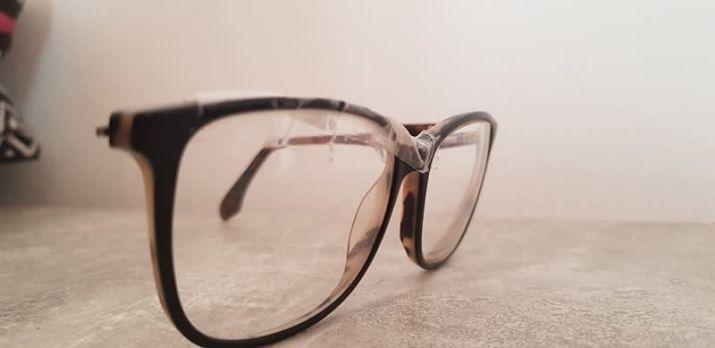 24c6ce1615aec4 Je suis donc aller 2 mois aprés chez Lissac Opticien, j ai pris les lunettes  les moins chere ou on peut y posé les verres anti reflets ils appelles sa  (je ...
