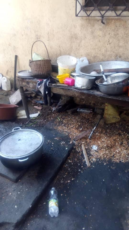 Rénover et équiper la cuisine frigo congélateur gazinière pro matériel pour cuisiner et servir