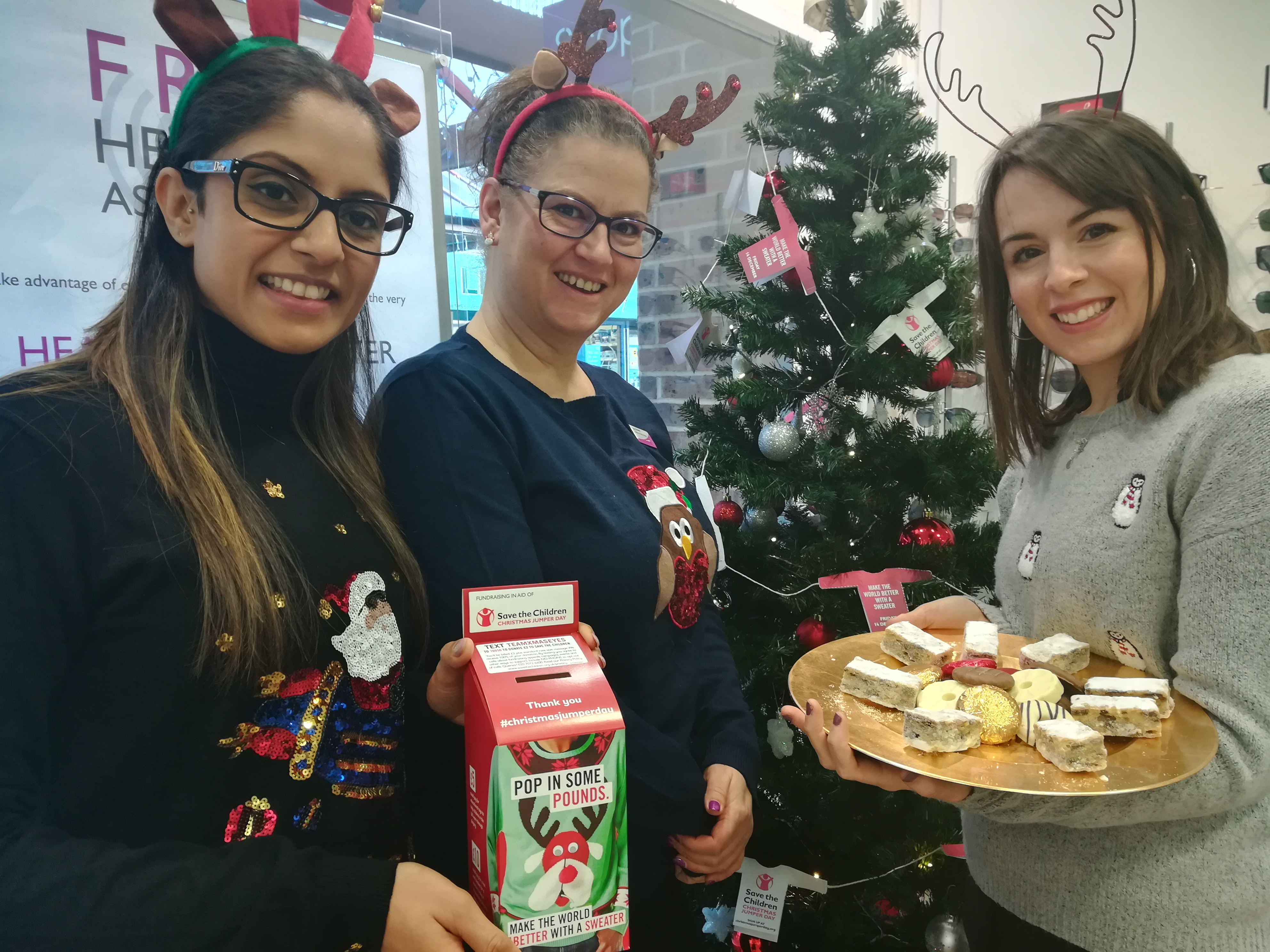 leightons thatcham christmas jumper day