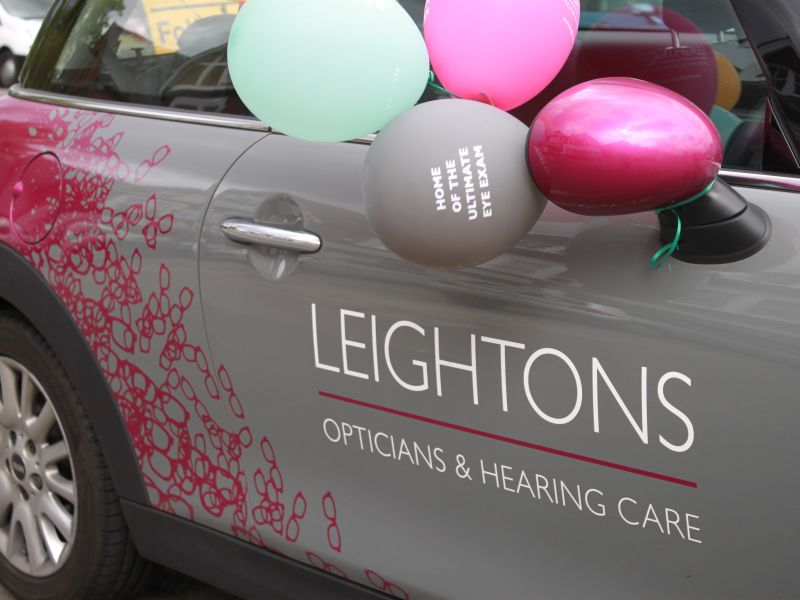 Leightons car with balloons