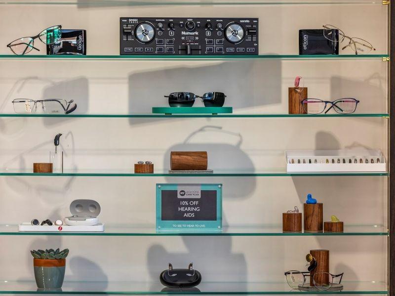 Leightons Cobham audiology & frame bar