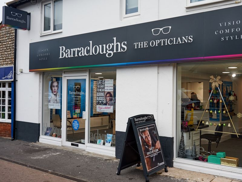 barracloughs opticians seaford