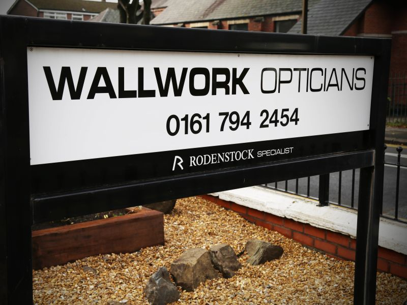 wallwork opticians sign