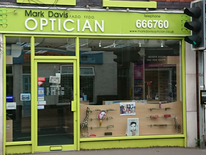 Mark David Optician exterior
