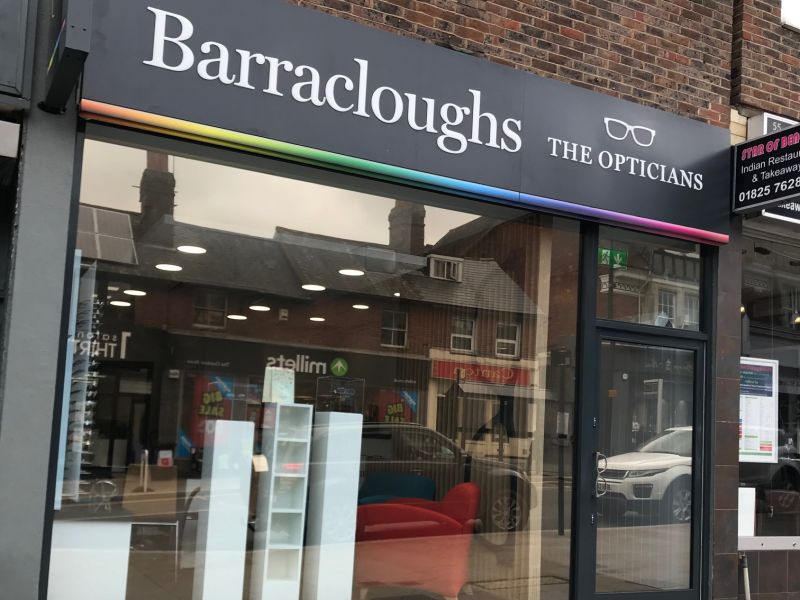 barracloughs opticians uckfield