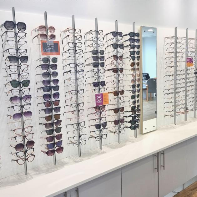 Glasses bays