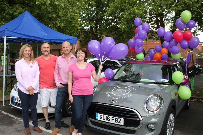 leightons farnham mini at carnival