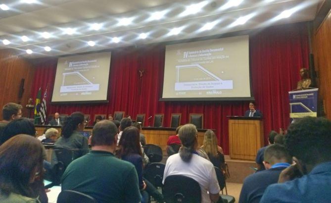 servidores no seminário
