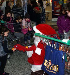 Weihnachtsmann – Aktion im Rhein Center
