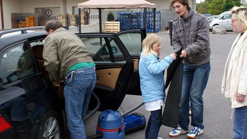 Leos aus Weil am Rhein und Heimbewohner aus Wiechs als Autopfleger