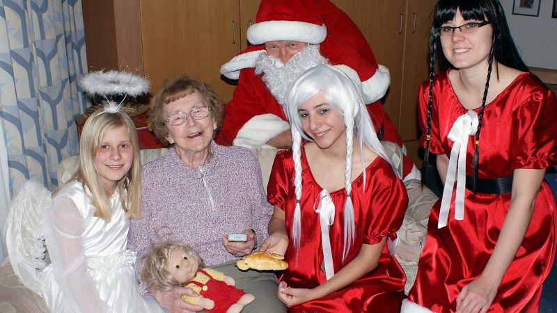 Engel kamen zum Plaudern am Nikolaustag