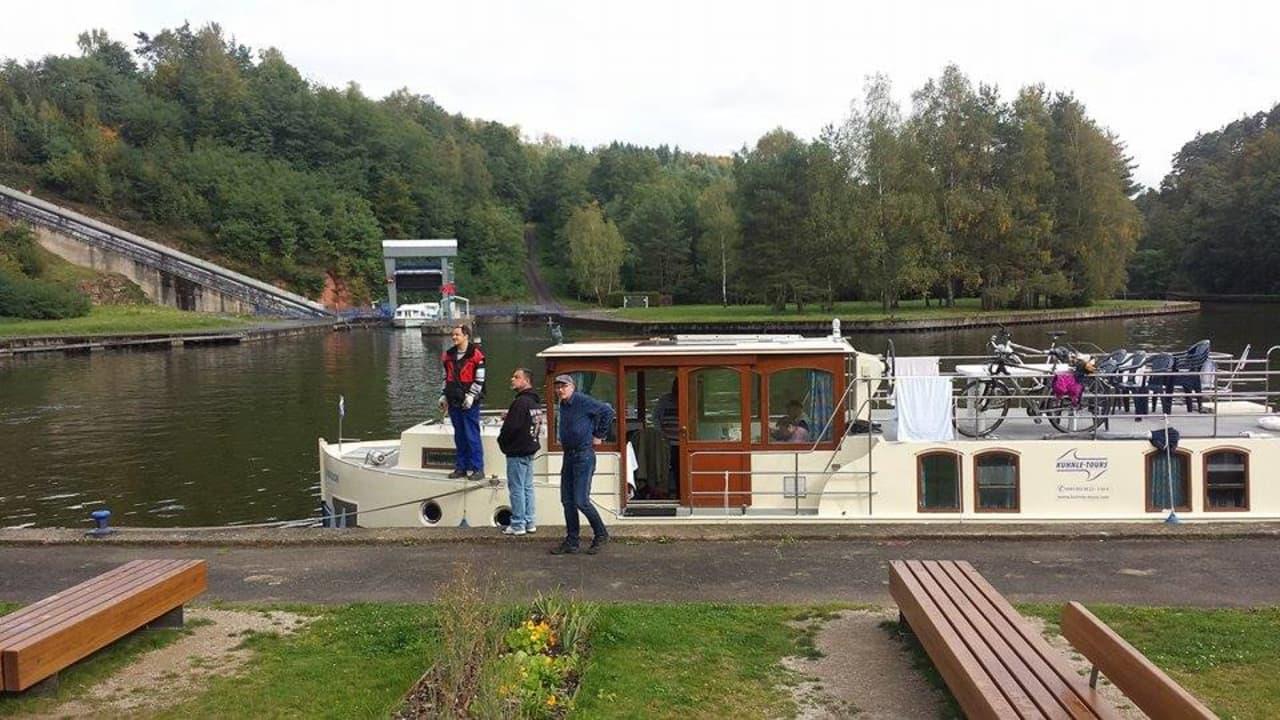 Hausbootfahrt mit Bewohnern des Markus-Pflüger-Heim