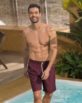 pantaloneta de bano masculina elaborada con material de pet reciclado con mayor cubrimiento-220- Vino Oscuro-MainImage