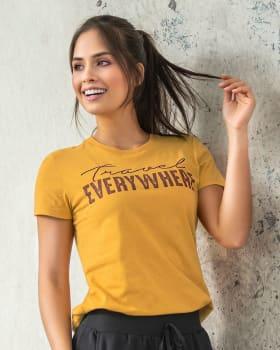 camiseta deportiva cuello redondo y estampado en frente-106- Amarillo-MainImage
