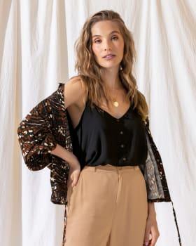 chaqueta manga larga silueta amplia tejido plano punos en elastico tira para graduar tela liviana-145- Estampado-ImagenPrincipal