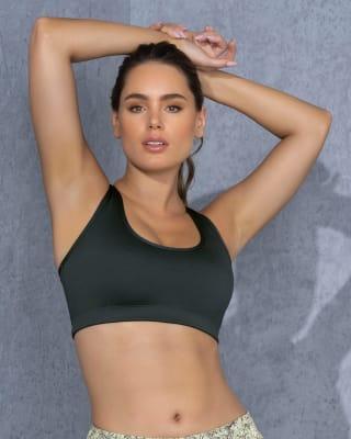 top deportivo de espalda atletica y doble capa de tela en el frente--MainImage