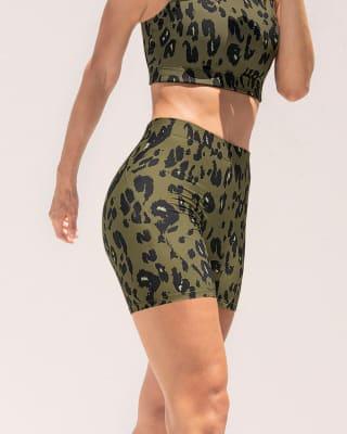 short corto deportivo ajustado y ligero con comodo elastico en cintura-182- Estampado Animal Print-MainImage