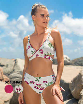 bikini con tiras cruzadas en abdomen doble faz y tela con textura--MainImage