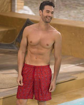 pantaloneta de bano masculina elaborada con material de pet reciclado con mayor cubrimiento-239- Estampado Rojo-MainImage