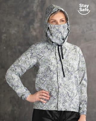 chaqueta femenina resistente a la humedad con mascarilla removible-662- Verde Estampado-ImagenPrincipal