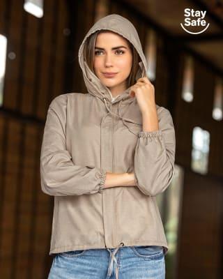 chaqueta femenina con acabado antifluido y tapabocas fijo-812- Beige-MainImage