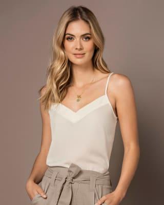 blusa tiritas cuello en v elaborada en tejido plano-018- Ivory-MainImage