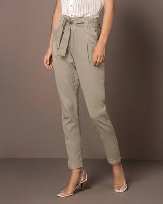 pantalon corto con bolsillos funcionales-084- Arena-MainImage