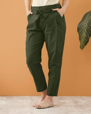 pantalon corto con bolsillos funcionales-601- Verde-MainImage