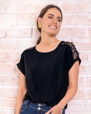 blusa manga corta con transparencia en hombros-700- Black-ImagenPrincipal