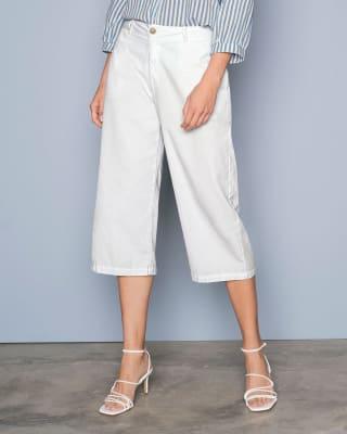 pantalon culotte con bolsillos frontales funcionales-000- White-MainImage