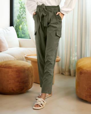 pantalon largo con bolsillos laterales y tira anudable en cintura para mujer-617- Verde Oliva-MainImage