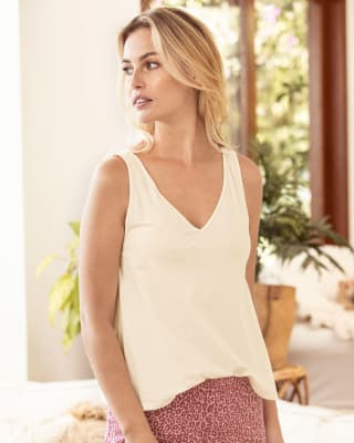 v-neck semi-fitted lounge tank-018- Marfil-MainImage
