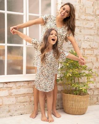 girls short-sleeve sleepdress-830- Est. Manchas-MainImage
