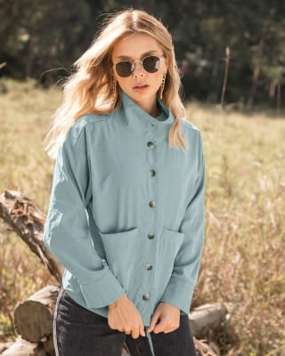 chaqueta amplia con botones y bolsillos funcionales-667- Verde Menta-MainImage