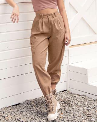 pantalon jogger tiro alto con bolsillos laterales funcionales-804- Habano-MainImage
