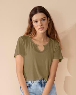 camiseta crop manga corta con detalle en escote y tejido acanalado-068- Verde-MainImage