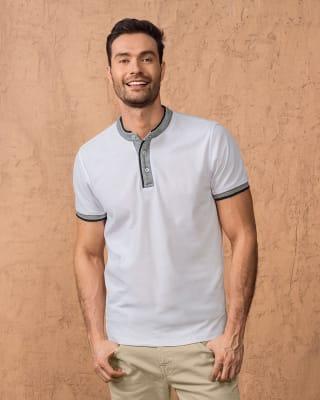 camiseta cuello henley con contraste de color en mangas y cuello-018- Marfil-MainImage