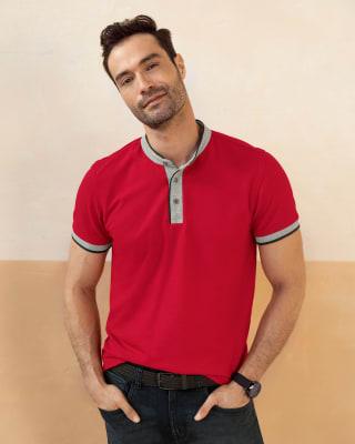 camiseta cuello henley con contraste de color en mangas y cuello-302- Rojo-MainImage