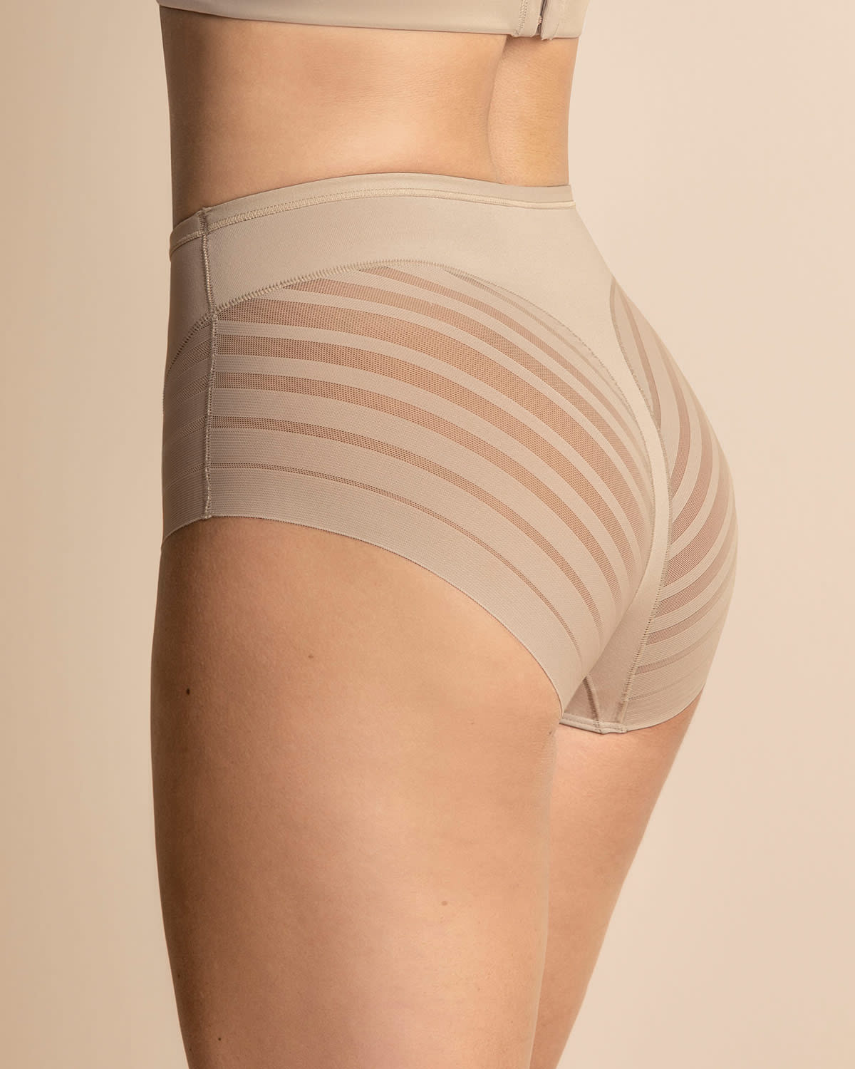 331003494858 Lace Stripe Undetectable Classic Shaper Panty   Leonisa
