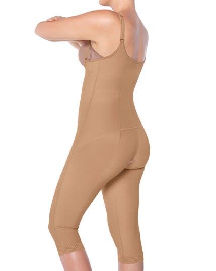 faja body reductor estilo capri con cubrimiento de muslos--ImagenPrincipal