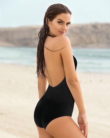 schlankmachender badeanzug mit tiefem ausschnitt--MainImage