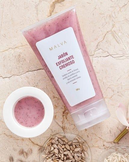 jabon exfoliante cremoso formulado con ingredientes de limpieza amigables--MainImage