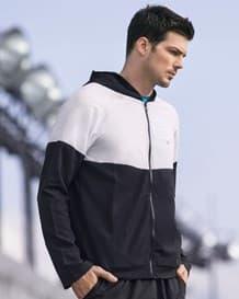 chaqueta deportiva con capucha-700- Black-MainImage