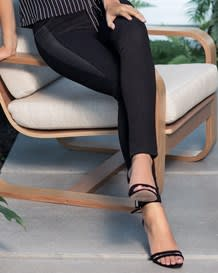 jean skinny con detalle lateral en cuero-700- Black-MainImage