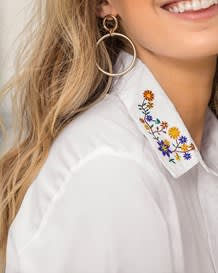 blusa manga larga punos en mangas y estampado en cuello-000- White-MainImage