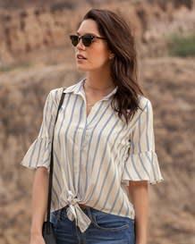 blusa bolero en manga corta y anudado en frente-146- Stripes-MainImage