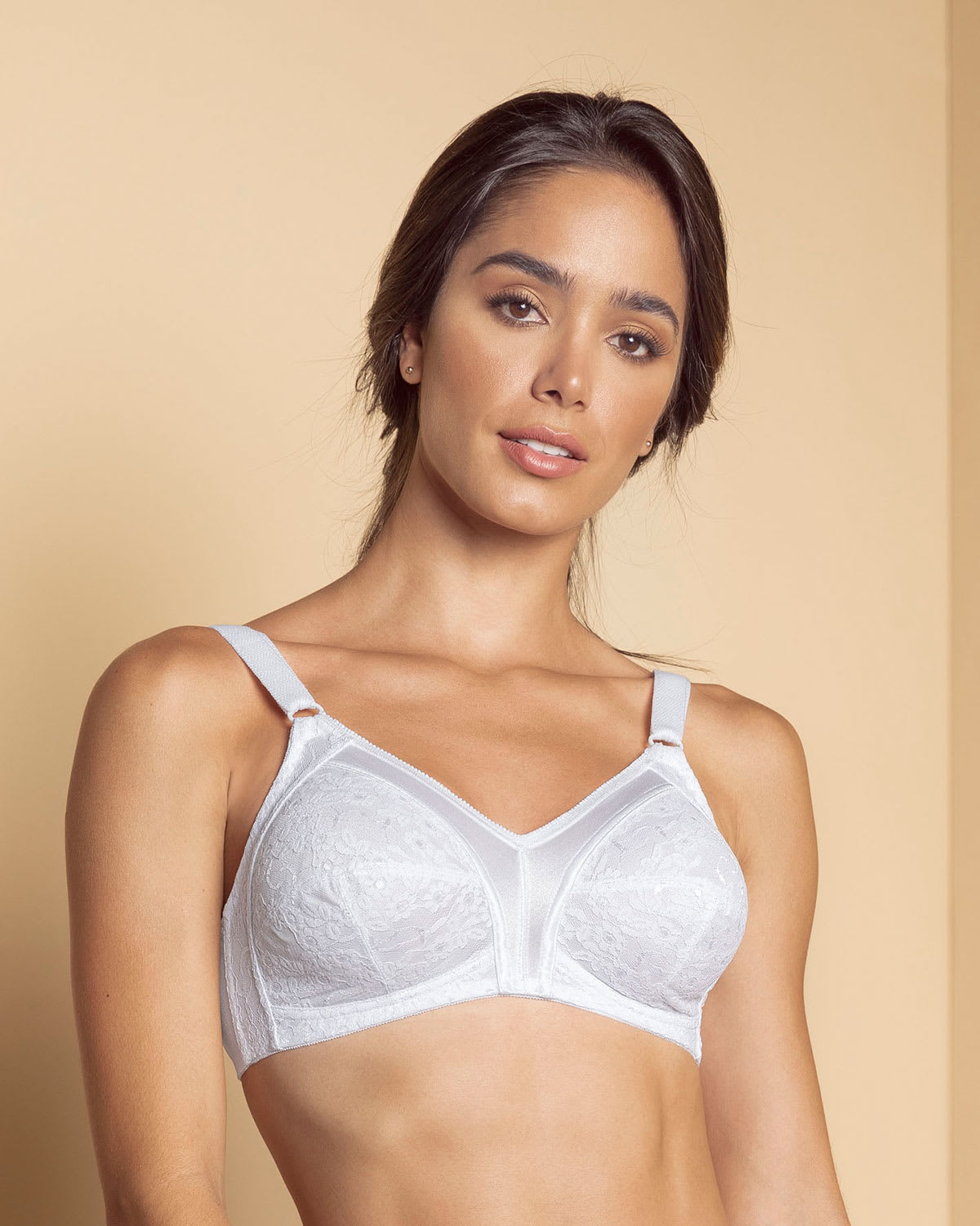 Full Coverage Bra in Lace with Smooth Control